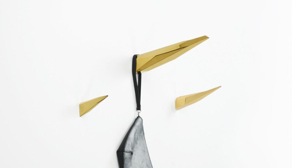 cuierul-in-designul-interior-o-problema-agatatoare-04