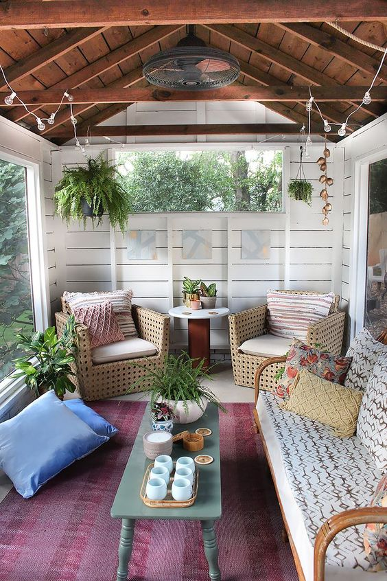sunroom-rustic